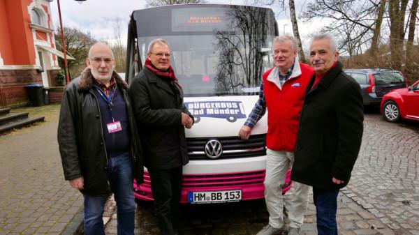 Dirk Adomat besucht Bürgerbusverein